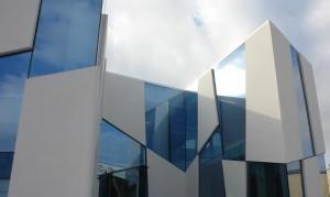 Edificio exposición Ape Cerámica en Castellon